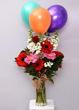 Uçan Balon ve Renkli Çiçekler