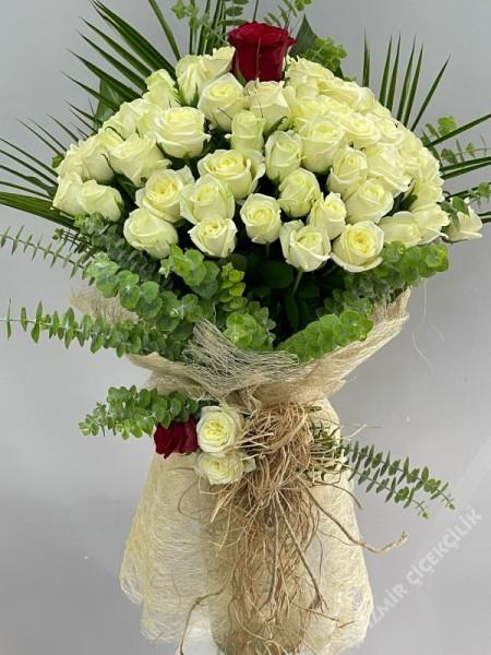Beyaz Gül Buketi 41 Adet İsteme Çiçeği