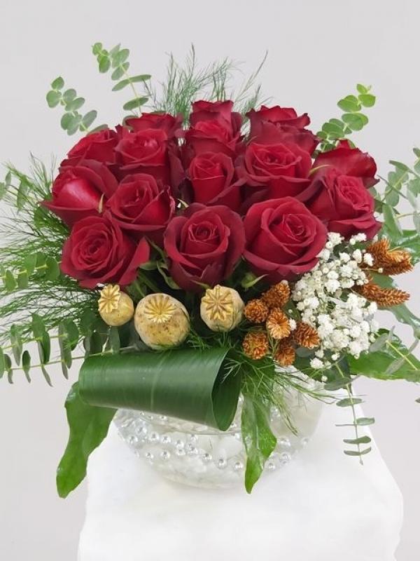Fanusta Kırmızı Güller 15 Adet