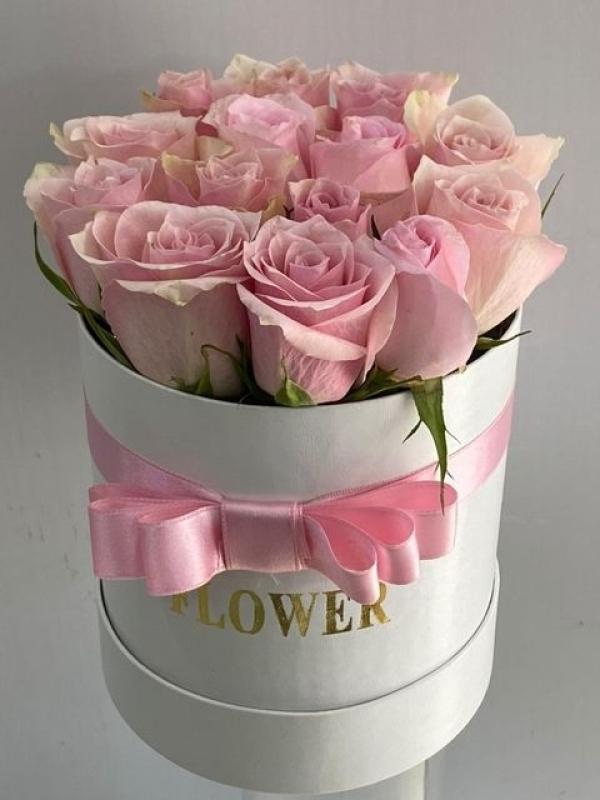 Kutuda İthal Pembe Güller