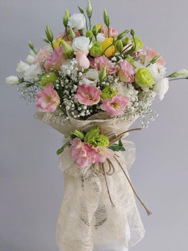 Şık Çiçek Buketi Abakada