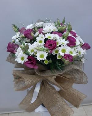Pembe Beyaz Çiçek Buketi