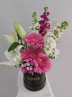 İzmir Kutuda Pembe Beyaz Çiçekler