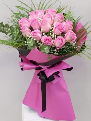 15 Adet İthal Gülden Çiçek Buketi